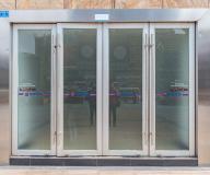 不锈钢有框玻璃门